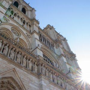 Η Παναγία των Παρισίων. Η συγκλονιστική ιστορία ενός συμβόλου
